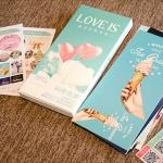 โปสการ์ด Love Is+ที่คั่นหนังสือ+สติ๊กเกอร์ (โปสการ์ด 30ใบ+30+30)