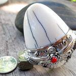 แหวนปลายงาขนาดใหญ่ ทรงสวย ตัวเรือนเงินแท้งานละเอียด ประดับกัลปังหาแดง