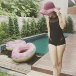 ชุดว่ายน้ำวันพีชซีทรูอกและต้นขา