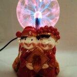 โคมไฟลูกแก้วพลาสม่า ลูกแก้วแม่มด ปล่อยพลังแสงดุจดั่งเวทมนต์ เป็นของขวัญสุดพิเศษ ฐานลาย คู่แต่งงานชุดจีนไม่จูบ