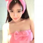 [หมดแล้วค่ะ] ชุดผ้าขนหนู พร้อมที่คาดผม สำหรับเปลี่ยนชุดก่อนหรือหลังอาบน้ำจ้า น่ารักจัง :) สีชมพูเข้ม