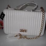 กระเป๋า Chanel Size 12 นิ้ว สีขาว