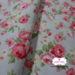 ผ้าคอตตอนไทย 100% 1/4 เมตร พื้นสีฟ้าอ่อน ลายดอกกุหลาบแดงชมพู