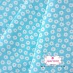 ผ้าคอตตอนไทย 100% 1/4 เมตร พื้นสีฟ้าหวาน ลายดอกไม้สีขาว