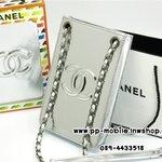 กระเป๋าสะพายใส่มือถือ Chanel