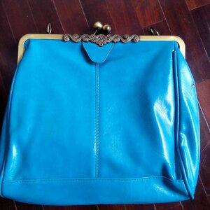 กระเป๋าหนังวินเทจ  สีฟ้า ..ตกQC