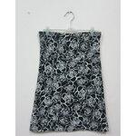 Jp1370 เสื้อเกาะอกผ้ายืดสีดำ สกรีนลายเส้นดอกกุหลาบสีขาว