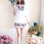 Lively embroidery Vintage blouse