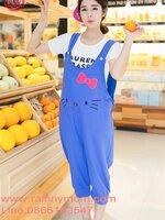 เอี้ยมกางเกงสีฟ้า ลายคิดตี้ มีหูรูดปรับด้านหลัง น่ารักค่ะ สินค้าขายดี และ ใส่สบายห้ามพลาดกันเลยจ้า