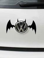 สติ๊กเกอร์ Batman สีขาว (ภาพแทน) ติดโลโก้รถ ขนาด 9 * 13 ซม.