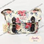 กระเป๋าสะพาย Chalita wu สองเข็มขัด สีครีม ลายดอกไม้